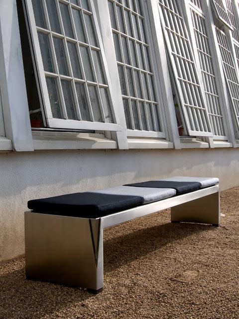 bank ohne lehne fur drau en exklusive edelstahlm bel f r ihren. Black Bedroom Furniture Sets. Home Design Ideas
